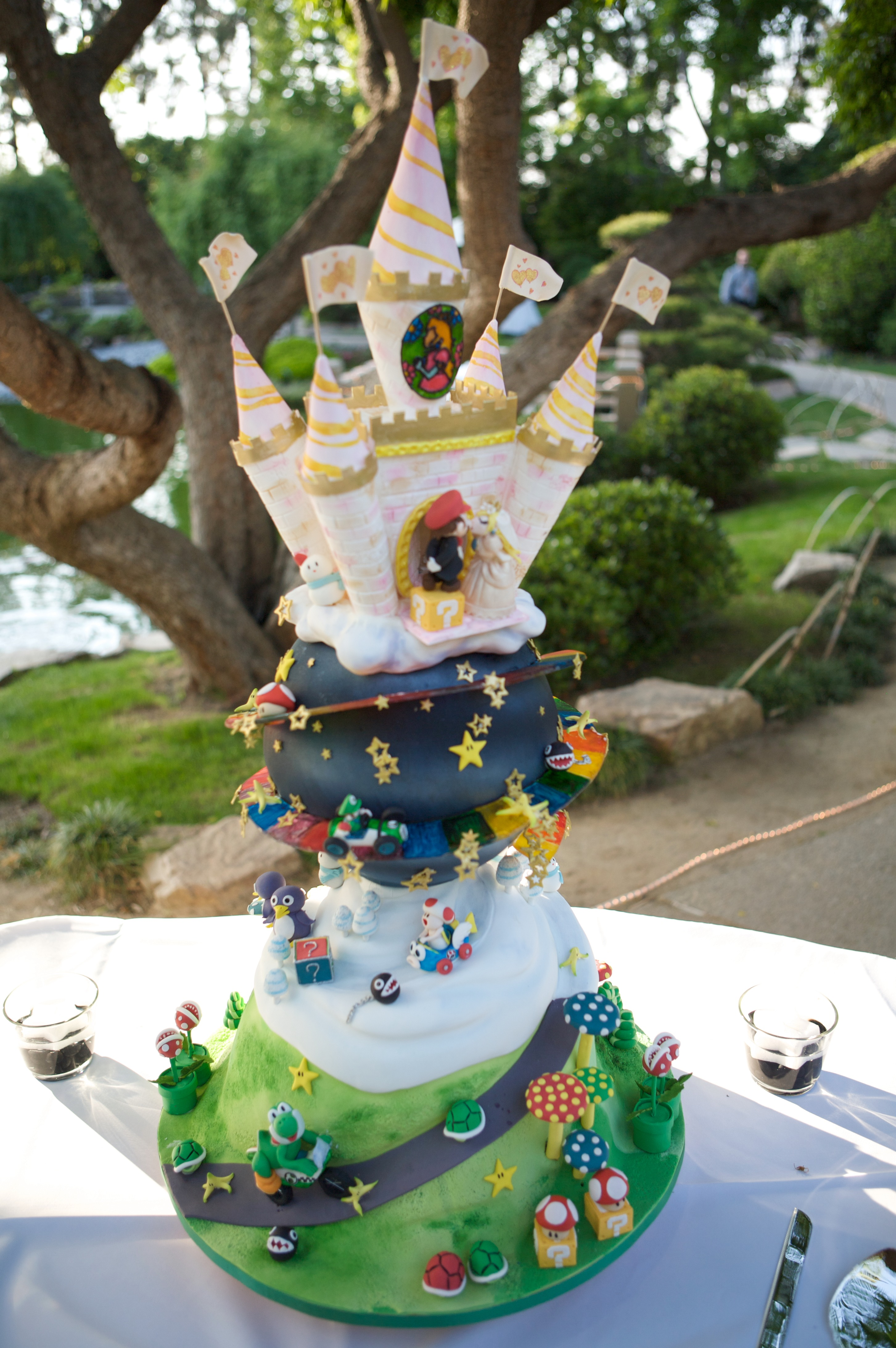 coolest wedding cakes ever this is the best wedding cake i ve seen 12932