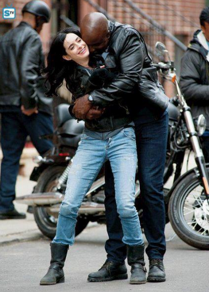 Jessica Jones - Mike Colter and Krysten Ritter on Set 3