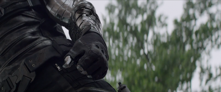 Winter_Soldier's_Arm-Up_close
