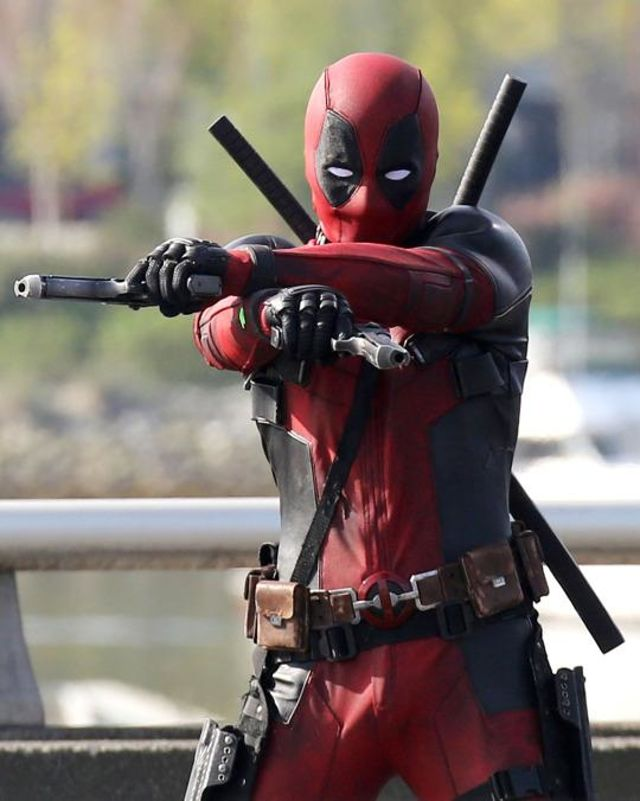 our-first-look-at-deadpool-in-action-update-new-images-unmasked-346913