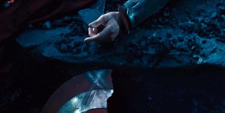 broken shield thanos vision