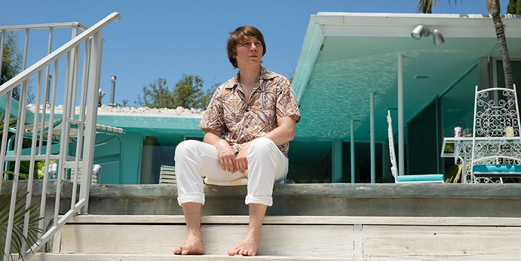Paul Dano stares off into his psyche as young Brian Wilson in Love and Mercy.