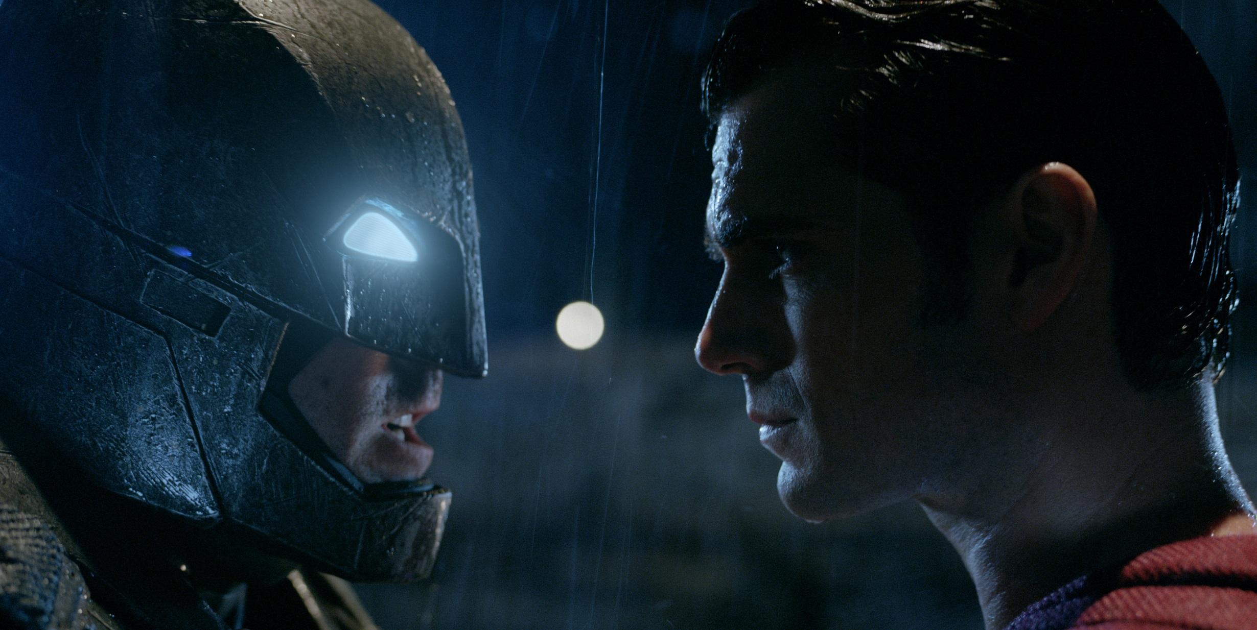 SDCC 15 How Does The Batman V Superman Armor Compare To Dark Knight Returns